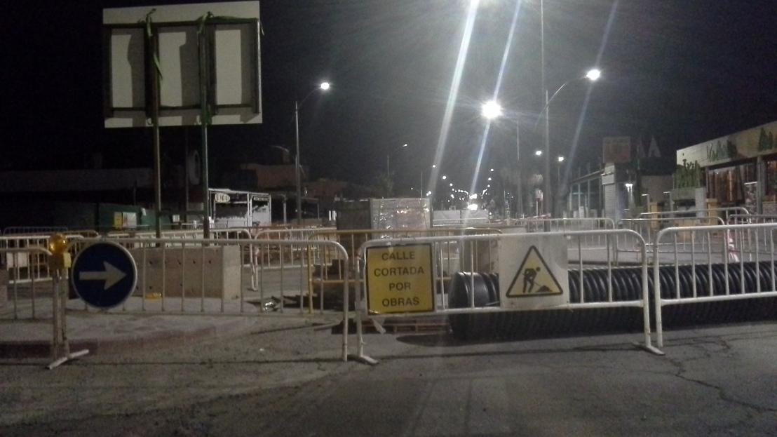 Las obras preelectorales de Coalición Canaria en LaOliva causan un grave perjuicio económico a comerciantes, residentes y turistas. —🔚👎ℹ🐢